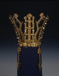 gold-crown-_copyrighted1